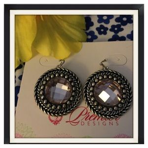 ❤️❤️Premier Black Medallion Silvertone Earrings